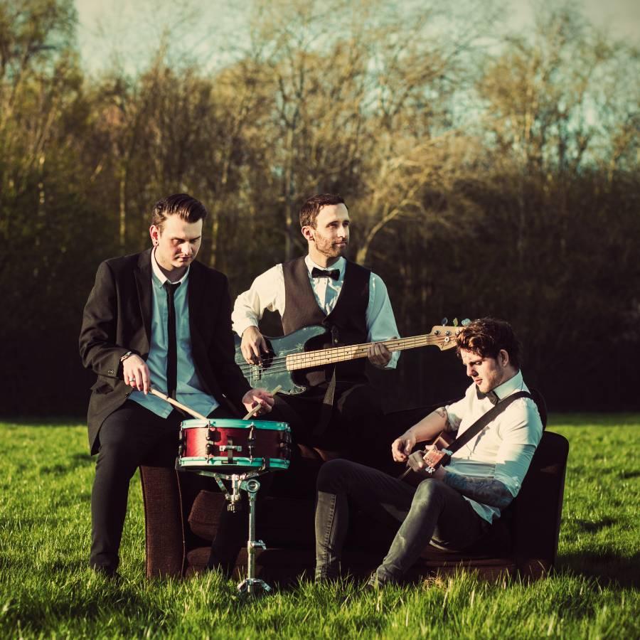 Top UK Wedding Bands